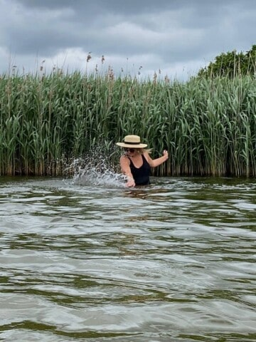 Wild swimming Frensham Pond