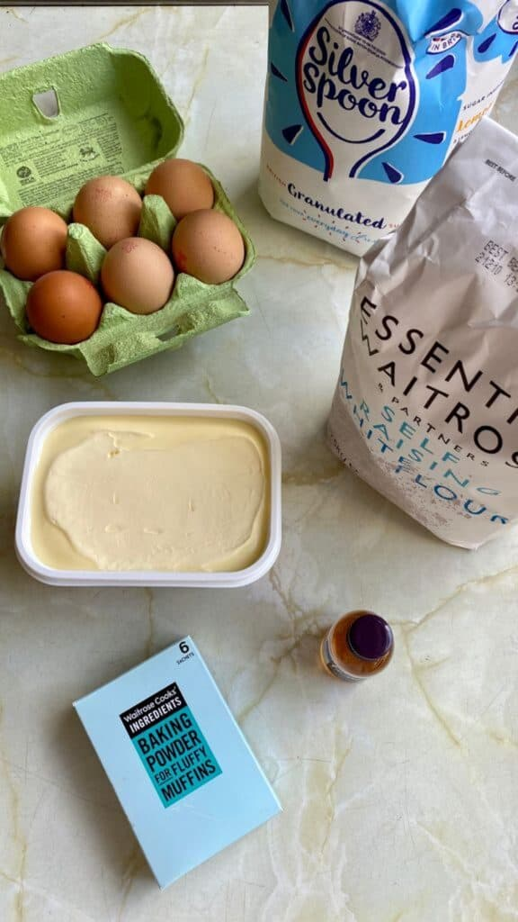 white chocolate and pistachio cake ingredients