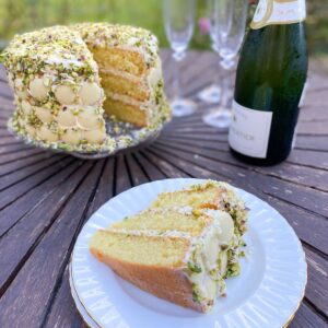 white chocolate and pistachio cake with champagne